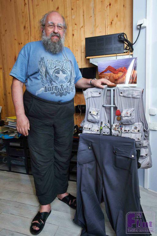 Анатолий вассерман что носит с собой