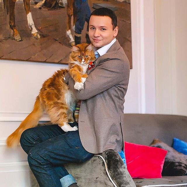 Популярный актёр и телеведущий Александр Олешко увлёкся дизайном интерьеров