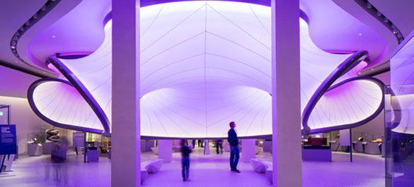 Интерьер лондонской The Winton Gallery от архитектурного бюро Захи Хадид