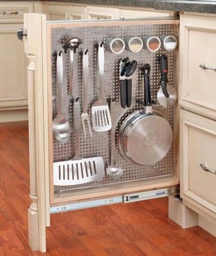 Потрясающее решение проблемы хранения и выделения пространства для неудобных вещей!