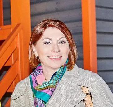 Роза Сябитова и её загородное жильё с новым гостевым домиком