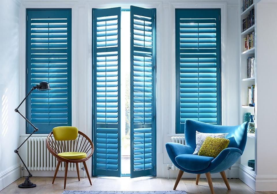 Как защитить квартиру от солнца: 8 примеров