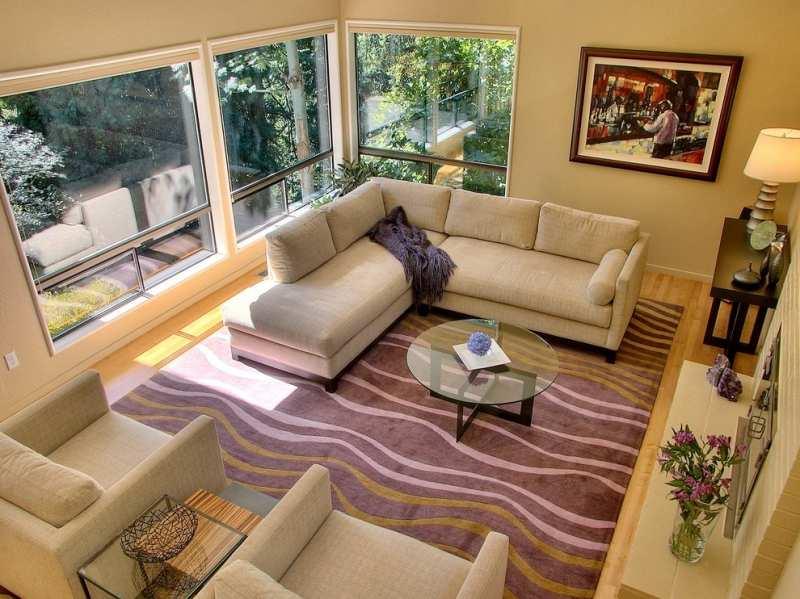 Как правильно установить диван в гостиной: создаём комфортную диванную зону