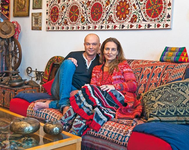 В гостях у популярного актёра Андрея Смолякова и его супруги, известного дизайнера Дарьи Разумихиной