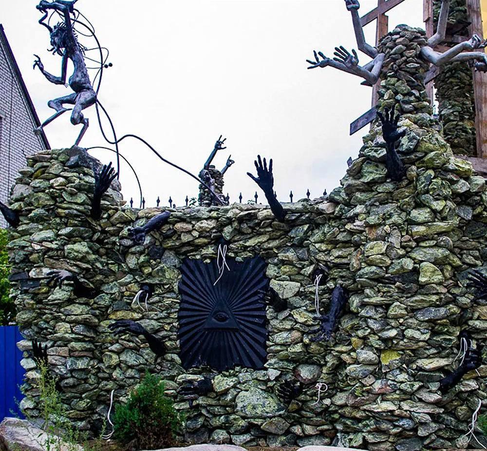 «Нехороший» дом в деревне Ратомка