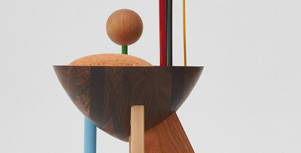 Корейский дизайнер изготовил стул, вдохновившись работами Кандинского