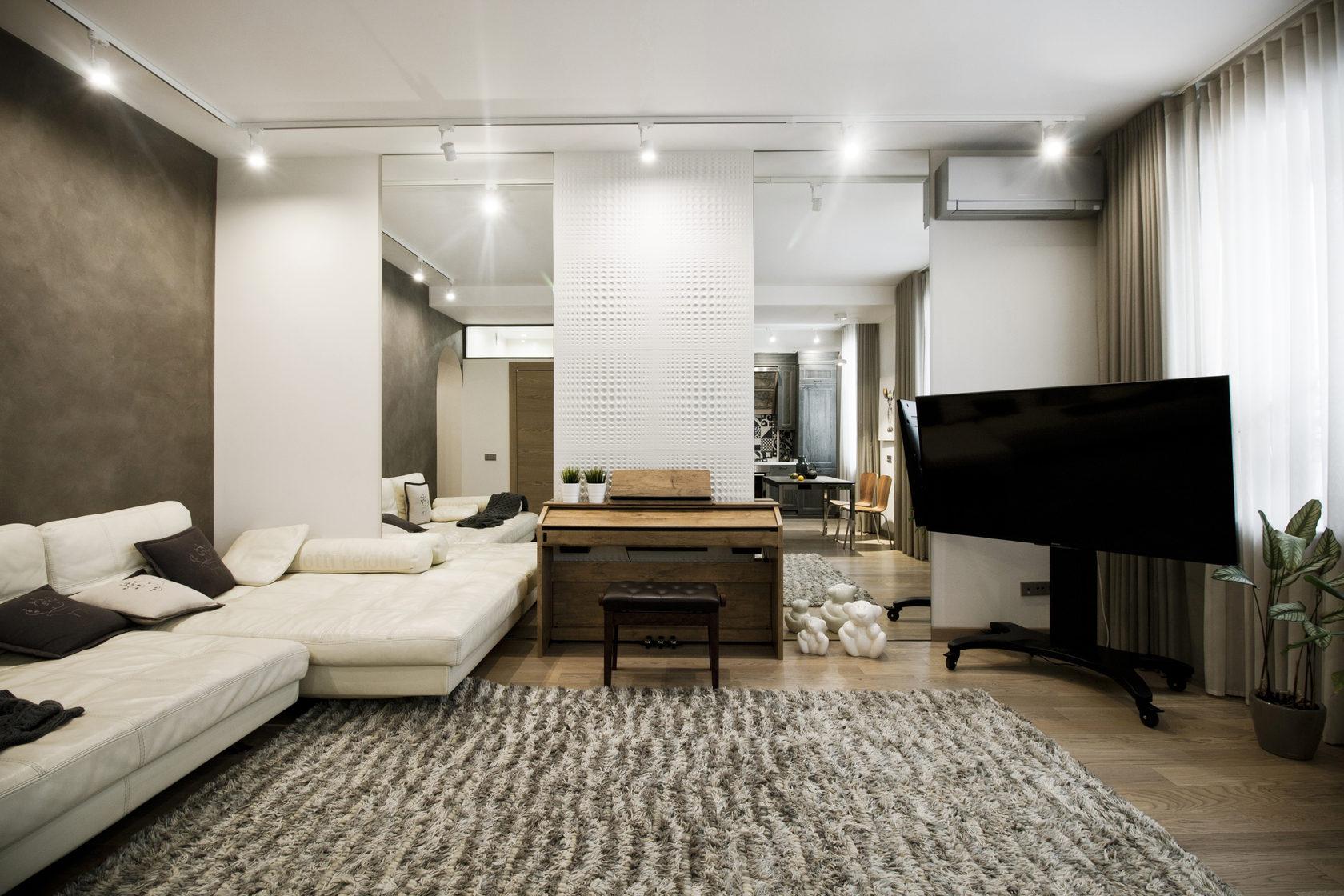 Светлый интерьер квартиры на втором этаже в «сталинском» доме