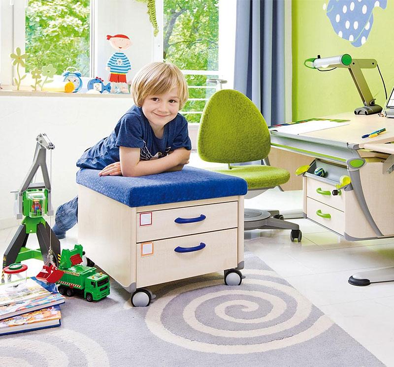 Как подготовить комнату или рабочий уголок ребёнка к школе: основные правила выбора мебели