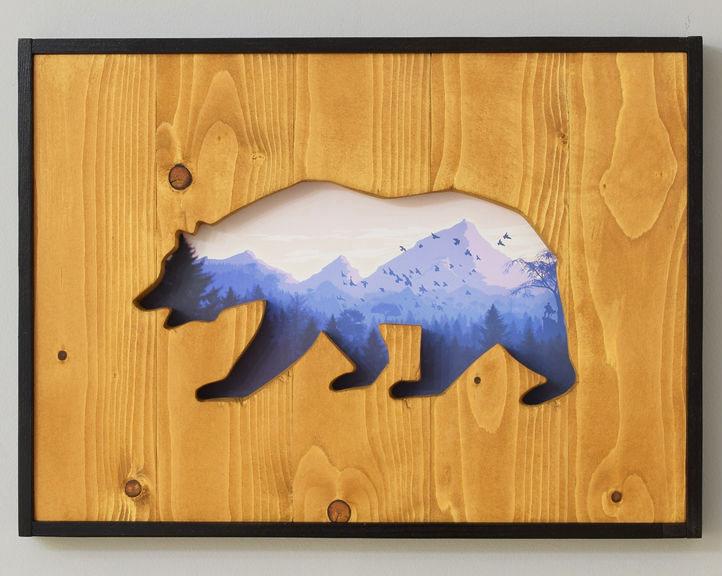 Настенное панно в виде объёмной картины с силуэтом животного и красивым пейзажем