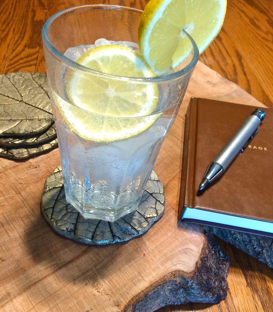 Удивительно красивые подставки из обычного цемента под коктейли, чай или кофе