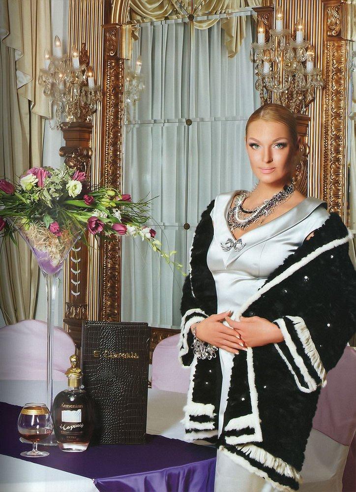 Роскошная квартира Анастасии Волочковой в Санкт-Петербурге