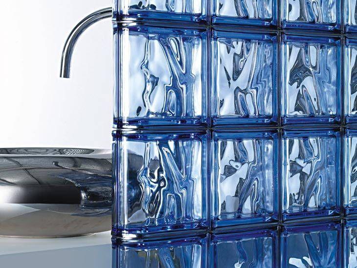 Что такое стеклоблоки и как их использовать в дизайне интерьера