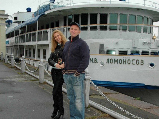 Плавучий дом Виктора Рыбина и Натальи Сенчуковой