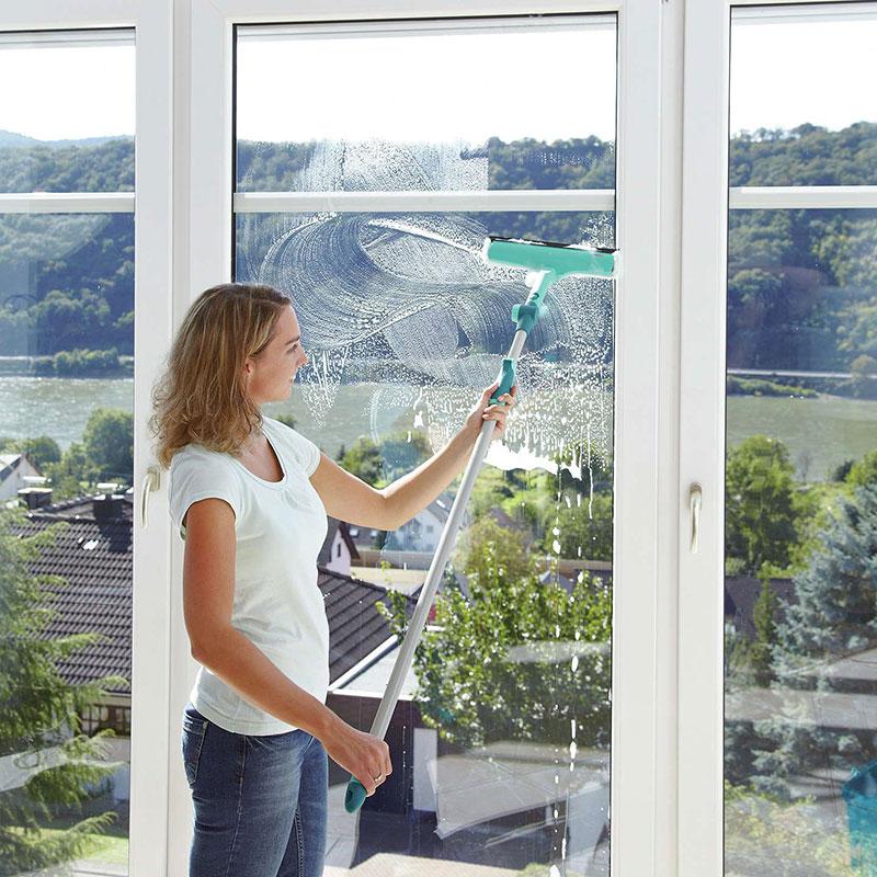 Самые эффективные способы помыть окна в квартире без разводов