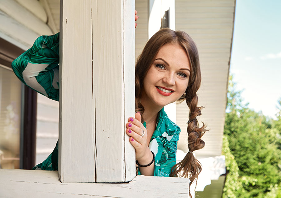 Загородный дом популярной певицы Марины Девятовой