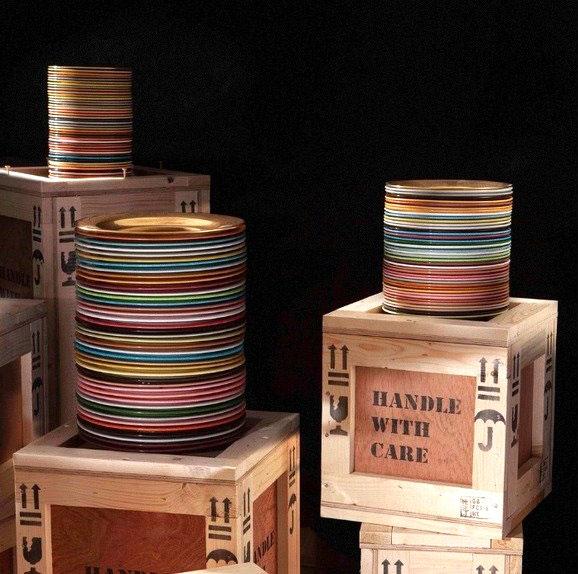 Гениальный дизайнер Пол Смит сделал тарелки без дна