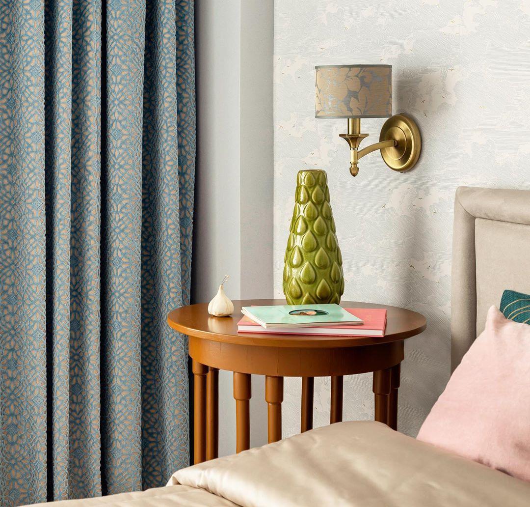 Современный интерьер небольшой квартиры для деловой женщины
