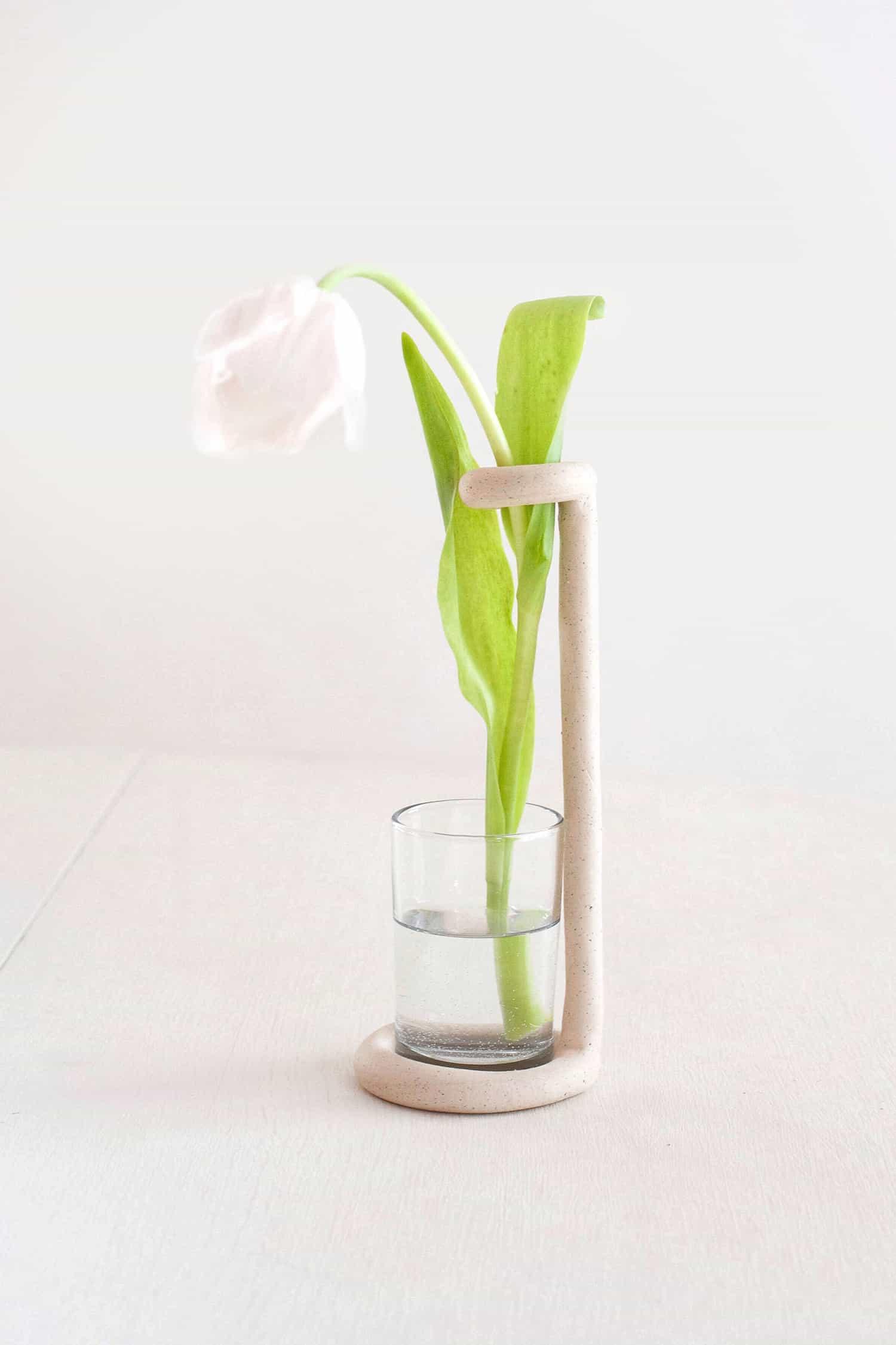 Очень необычная и стильная ваза из полимерной глины своими руками