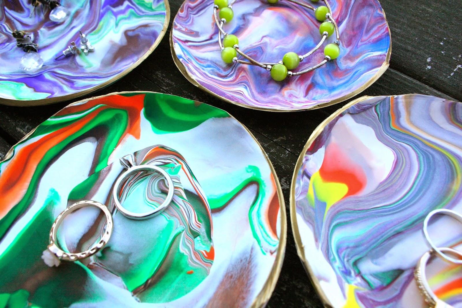 «Мраморные» тарелки из полимерной глины своими руками
