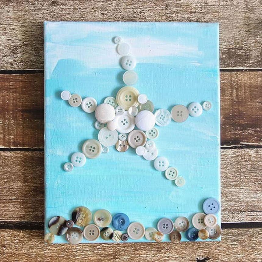 Панно «Скучаю по морю» с пляжем и морской звездой из пуговиц