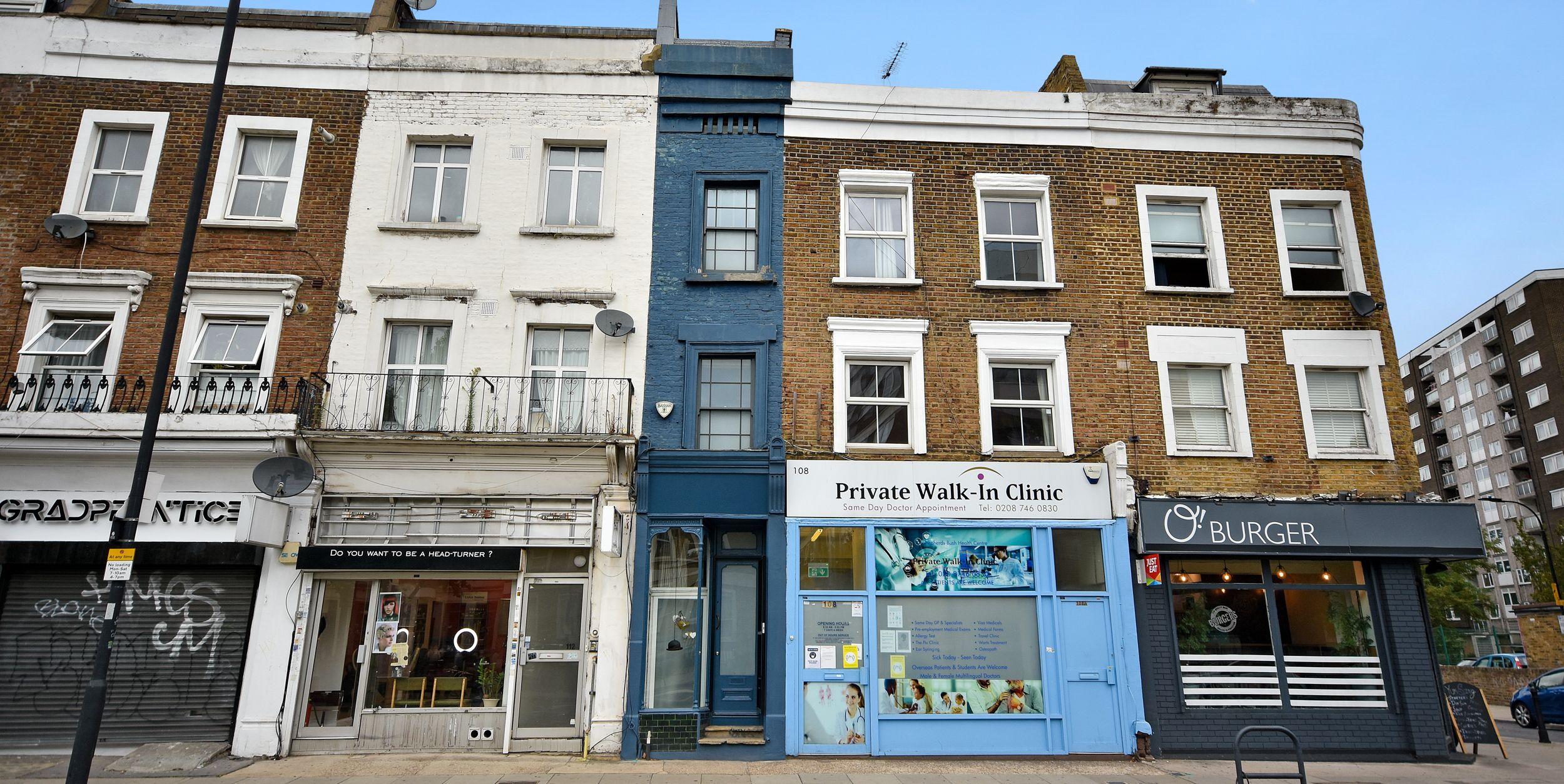 Самый узкий дом Лондона выставлен на продажу почти за 100 миллионов рублей