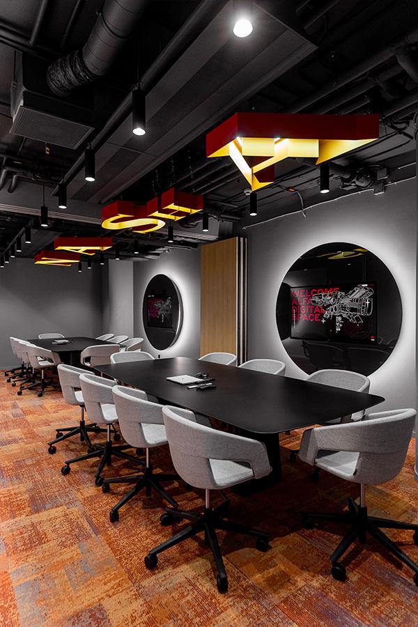 Офис в марсианском стиле