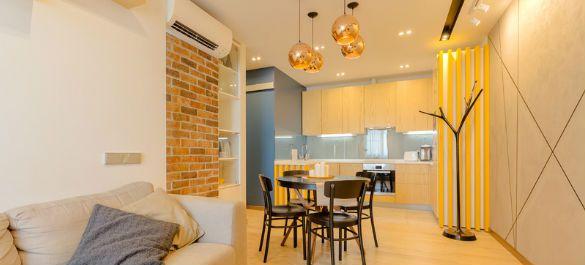 Двухкомнатная квартира в светлых тонах для холостяка
