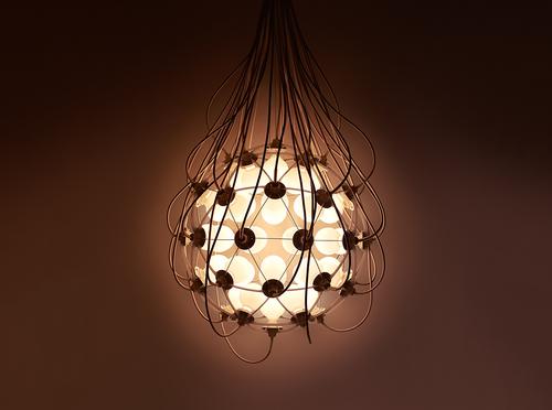 «Святящаяся изнутри» – необычная люстра от японского дизайнера Сатоши Итасака