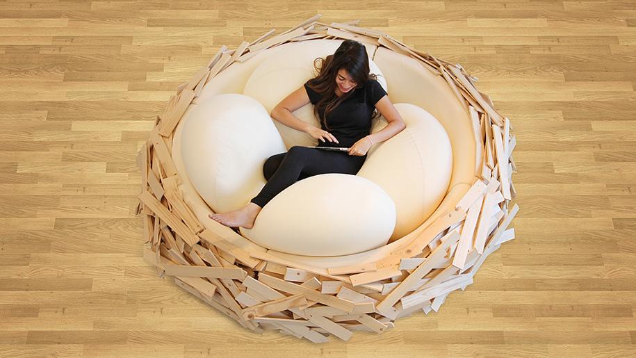 Диван в виде гигантского гнезда от студии дизайна «OGE CreativeGroup»
