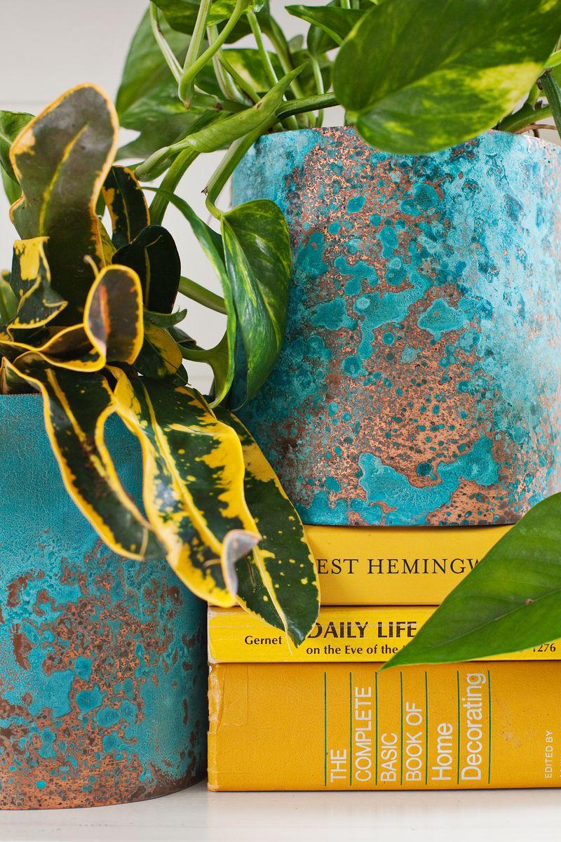 Оригинальные цветочные горшки из окисленной меди своими руками