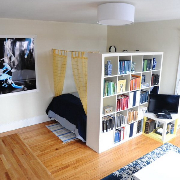Как зонировать комнату с помощью стеллажа-перегородки