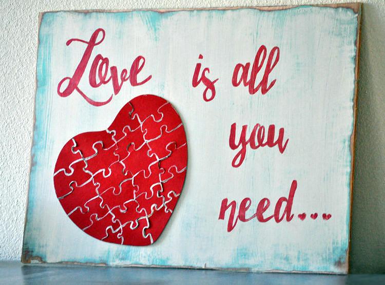 Настенное панно «Всё, что вам нужно – это Любовь!