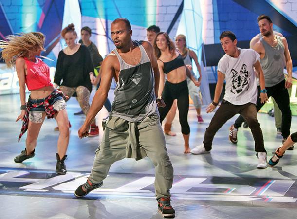 Как живёт наставник шоу «Танцы» на ТНТ Мигель: экскурсия по дизайнерскому таунхаусу хореографа