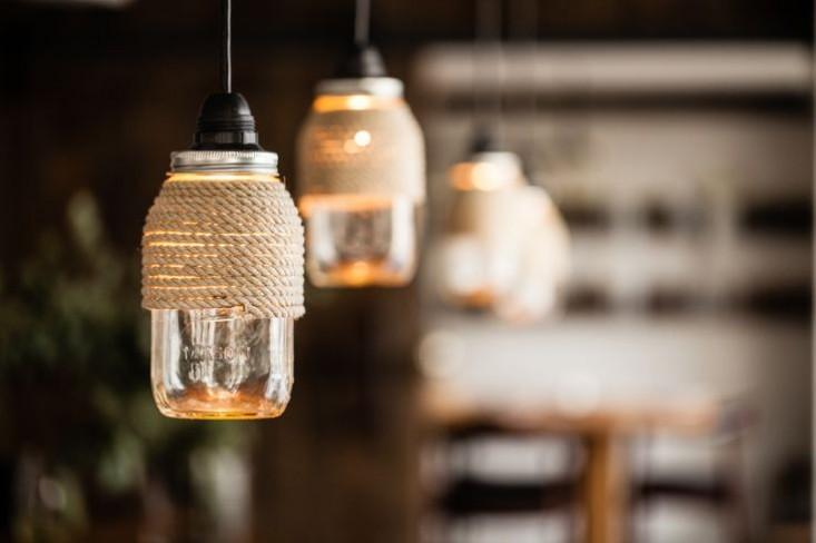 Необычные светильники в стиле лофт из стеклянных банок
